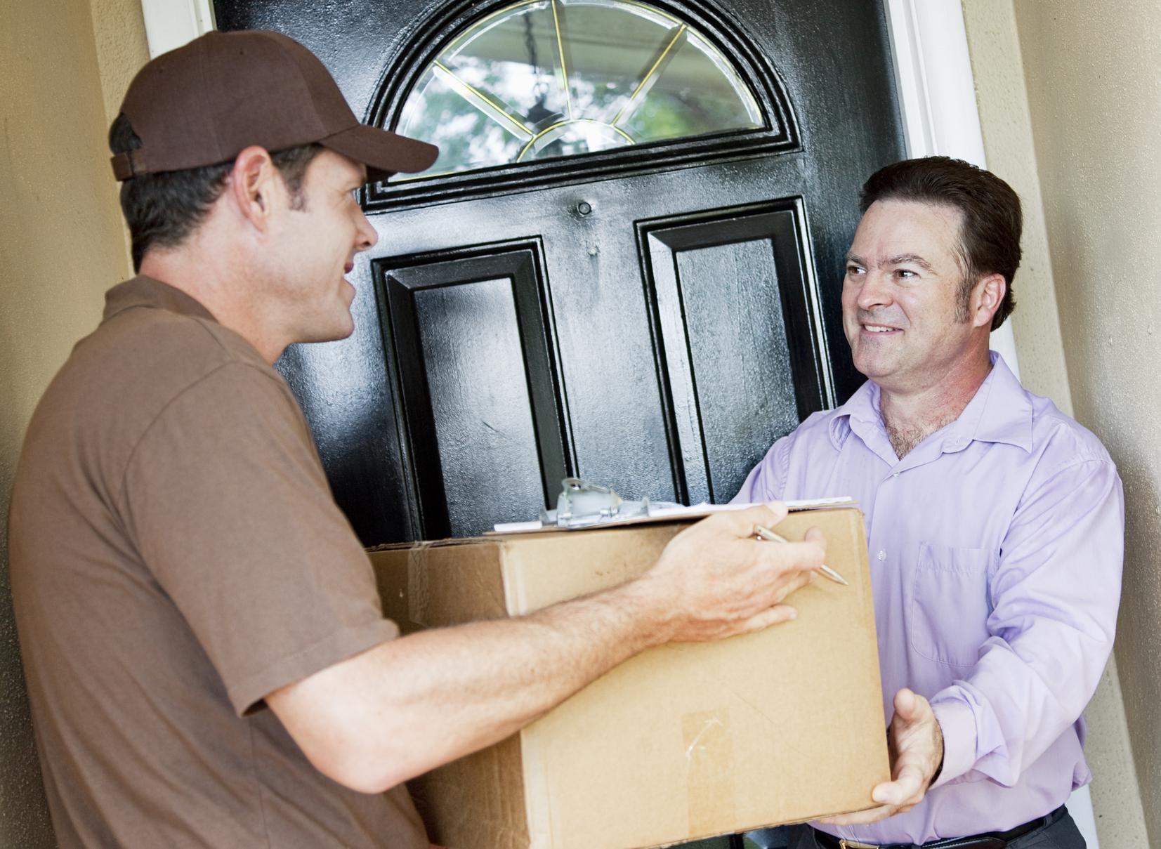 Zwrot towaru zakupionego przez Internet – kto ponosi koszty przesyłki?